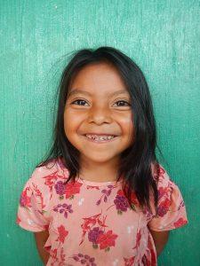 Lachendes Mädchen, Soziales Engagement Lampocoy Guatemala